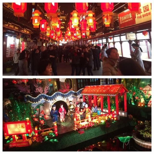 Lantern Festival crowds