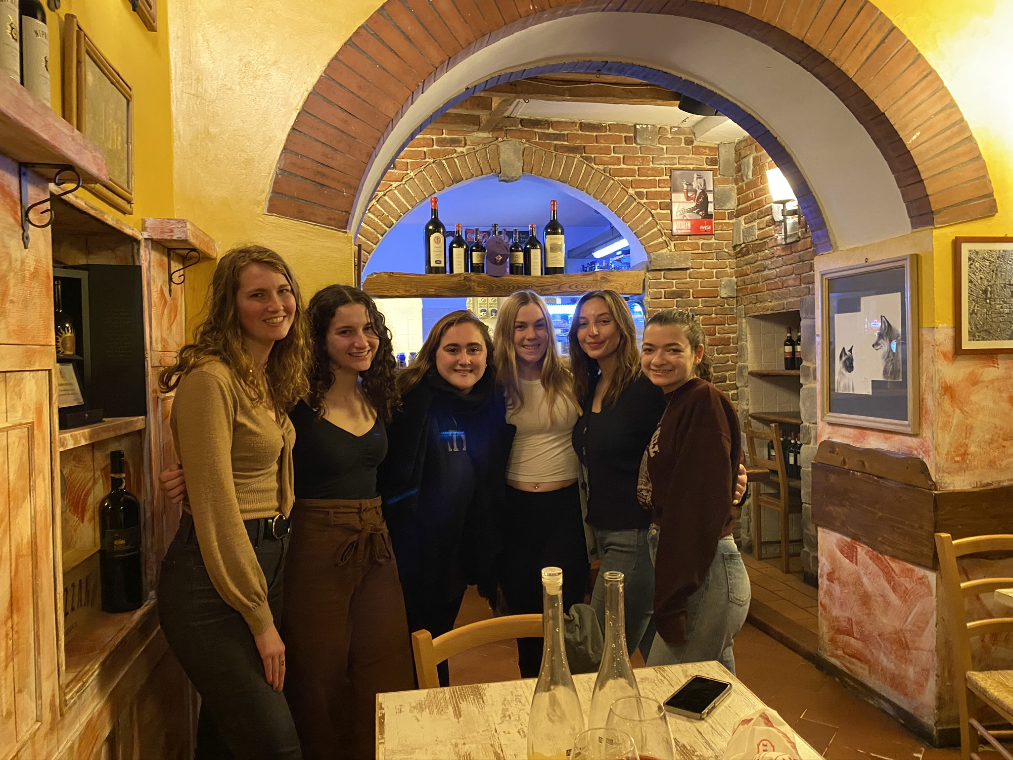 CAPAStudyAbroad_Spring2020_Florence_Sara Shriber_Picture with Friends on Last Night