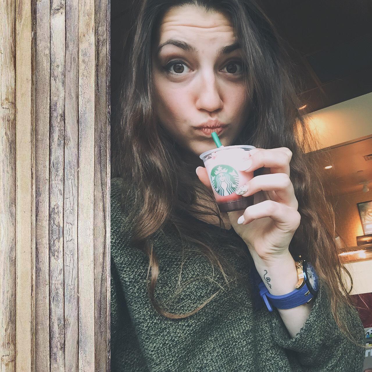 CAPAStudyAbroad_Sydney_Fall2017_From Hanna Okhrimchuk - Working on Campus at Starbucks.jpg