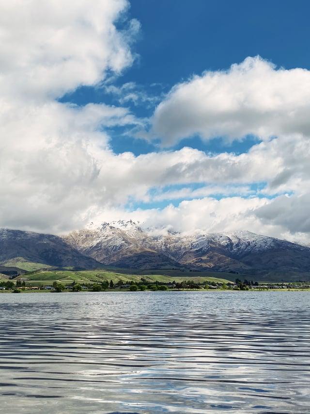 CAPAStudyAbroad_Fall 2019_Sydney_Minh Ta_Beautiful New Zealand Mountain and Lake - Copy - Copy
