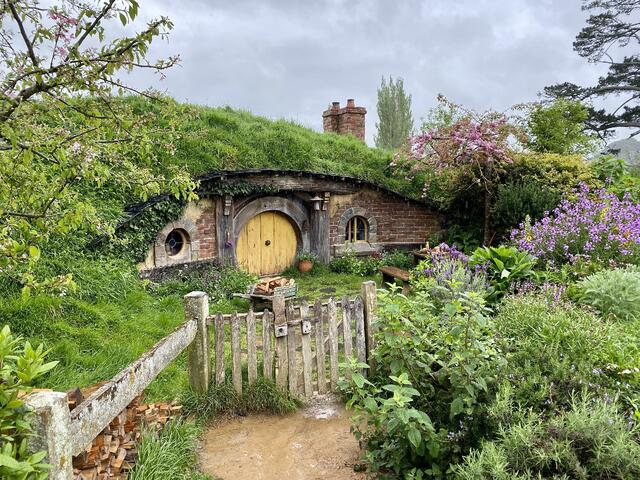 CAPAStudyAbroad_Fall 2019_Sydney_Minh Ta_Hobbiton - The Shire in Real Life