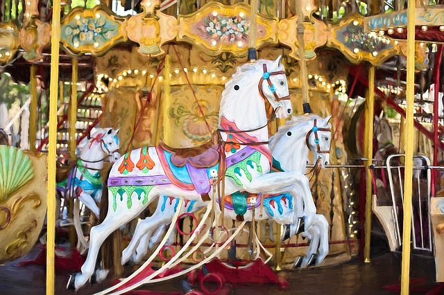 carousel-horses-1434079_640.jpg