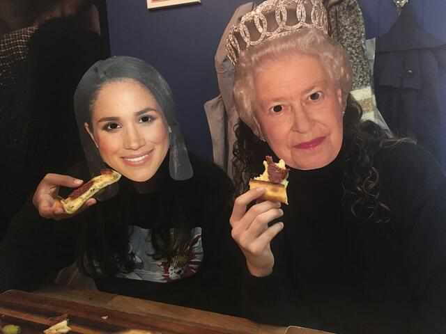 Eating Pide like the Royals
