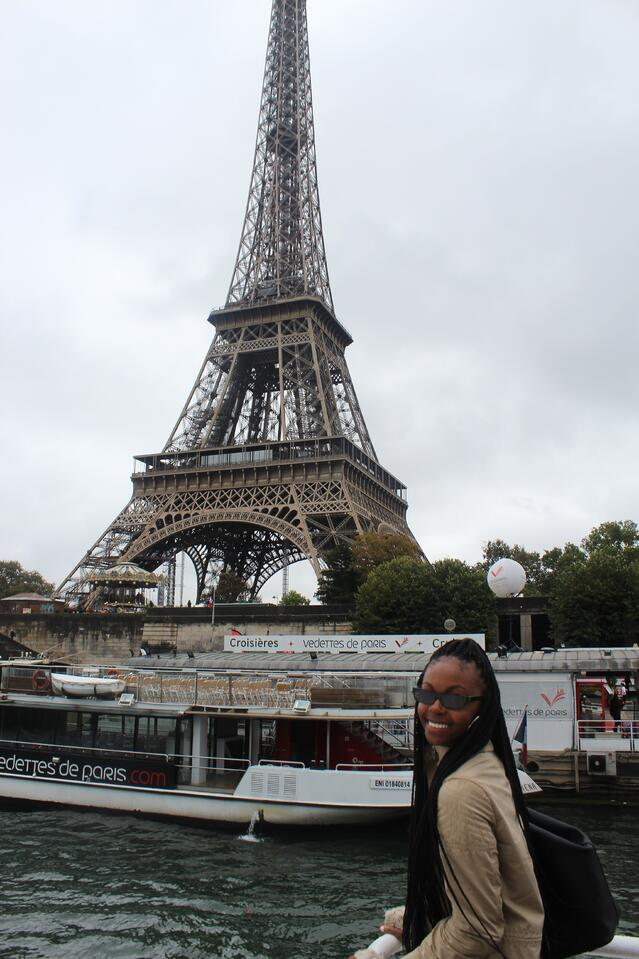 CAPAStudyAbroad_Fall2019_London_MakennaSturgeon_Paris_photo4
