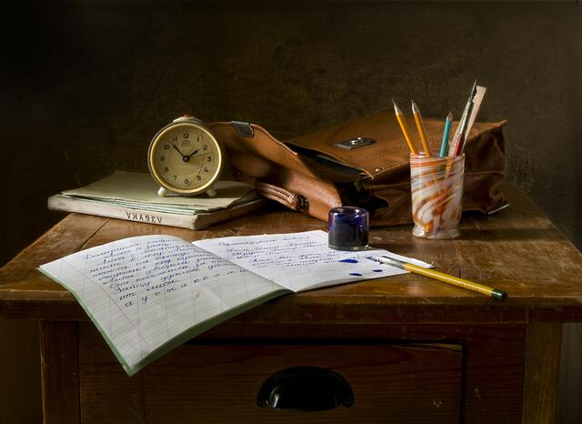 still-life-school-retro-ink-159618.jpeg