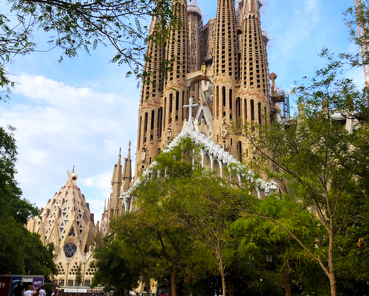 CAPA Study Abroad_Barcelona_Pillar Page_Why Barcelona