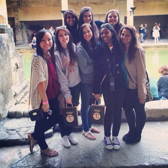 CAPAStudyAbroad_London_Summer2015_From_Roshni_Patel_-_group_in_Bath