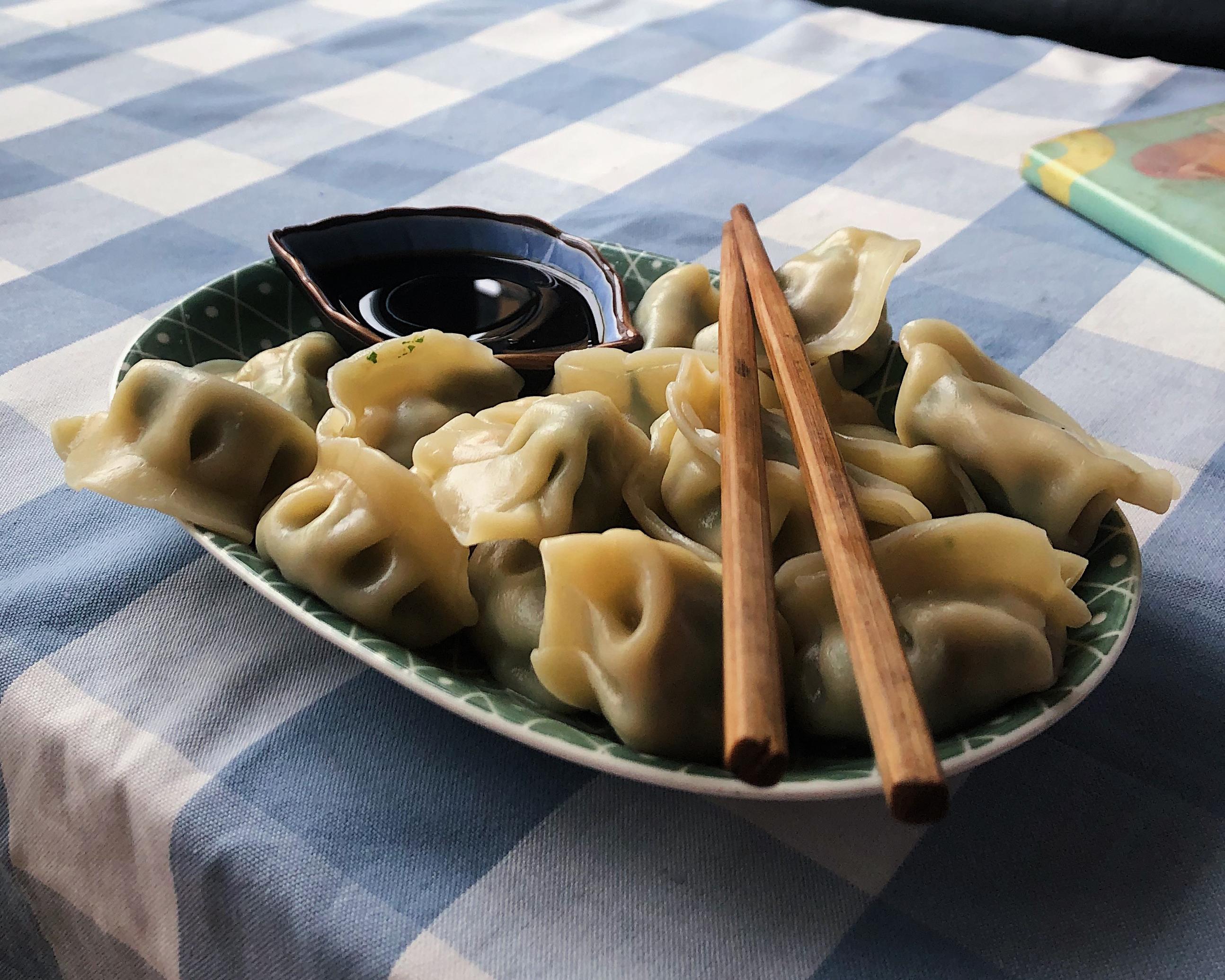 CAPA Study Abroad_Shanghai_Pillar Page_Food in Shanghai