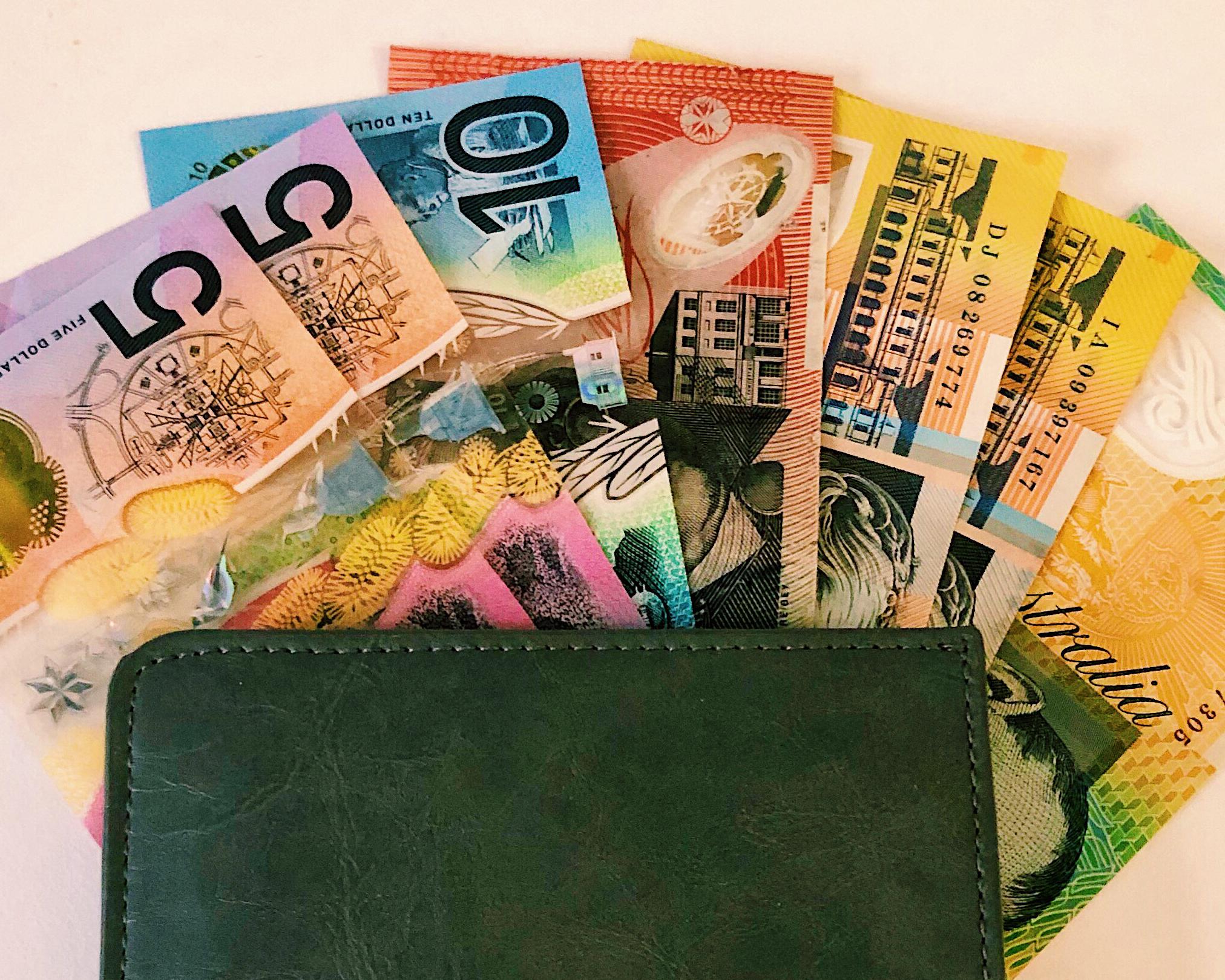 CAPA Study Abroad_Sydney_Pillar Page_Financing & Sydney